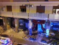 Casoria, boato nella notte: devastato centro commerciale