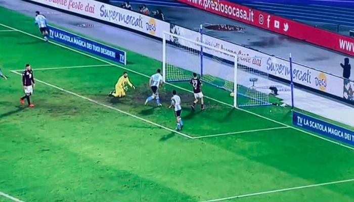 Un pessimo Napoli acciuffa il Torino nel recupero