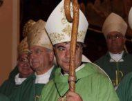 """Napoli, un """"prete di strada"""" nuovo arcivescovo: è Mimmo Battaglia"""