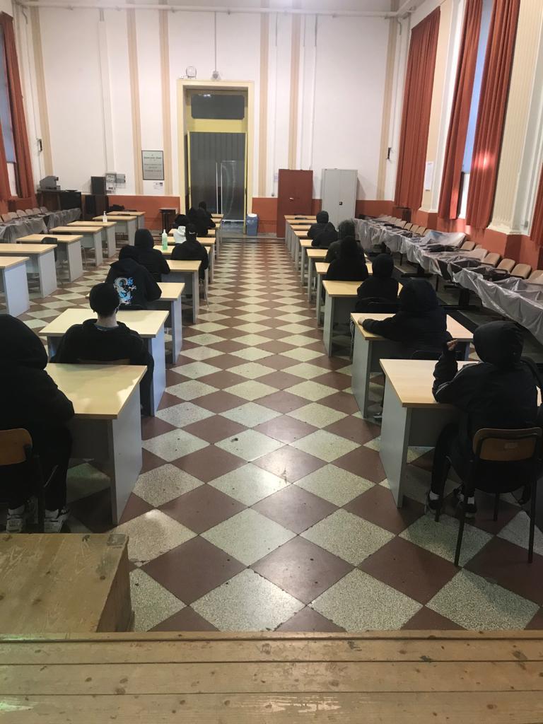 """Napoli: gli studenti occupano il Liceo Vico: """"Basta Dad, la scuola è la nostra casa"""""""