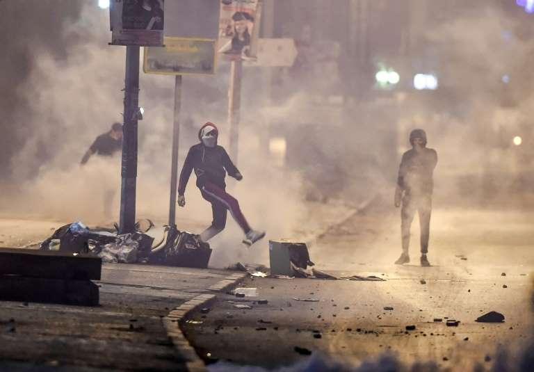 Tunisia, la rivolta dei giovani contro il lockdown e la disoccupazione