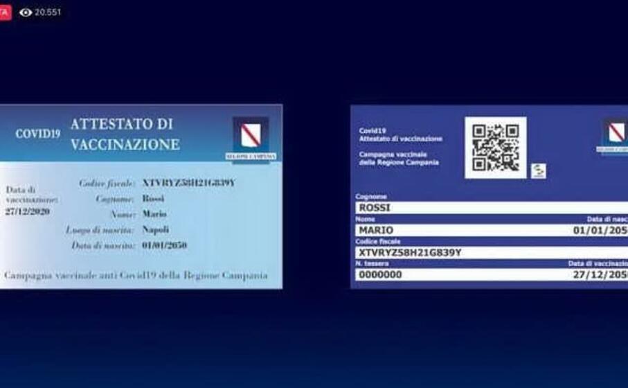 """Covid, Campania: De Luca inventa la tessera della vaccinazione che """"rende liberi"""""""