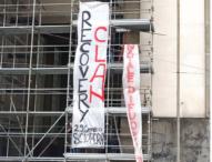 """Napoli, disoccupati sulle impalcature: """"Il recovery è una torta per i  clan"""""""