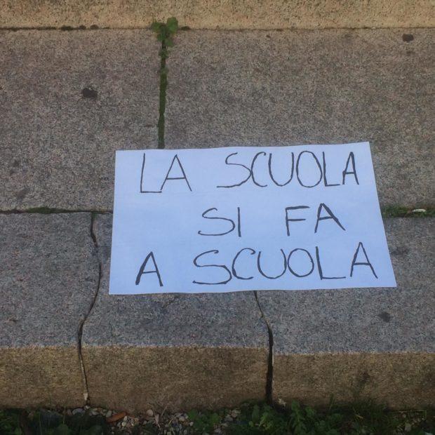 """Scuola, Azzolina: """"La didattica a distanza non funziona più. C'è un black out  della socialità"""""""