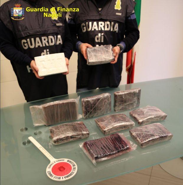 Droga: arresti e perquisizioni in molte regioni italiane. Basi operative a Scampia e Secondigliano