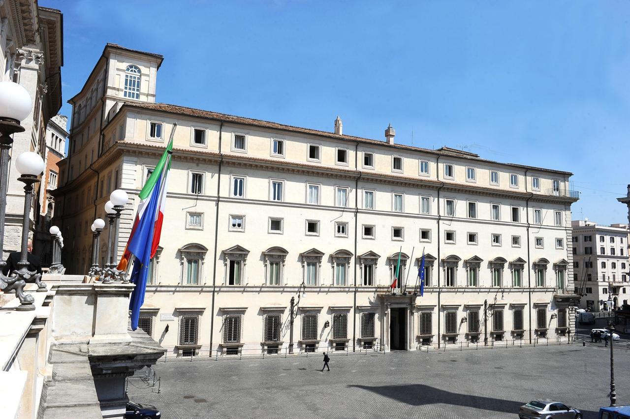 Pd punta a 'maggioranza larga' per Draghi con Renzi e Salvini che tenga dentro M5s