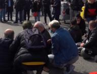 Napoli, la rabbia dei ristoratori contro De Luca e Speranza