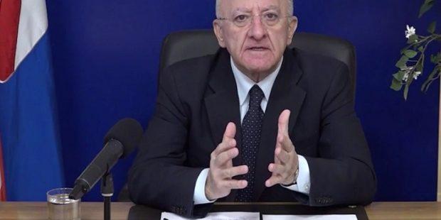 """Covid, De Luca contro Tar e No Dad: """"Da lunedì scuole chiuse in Campania"""""""