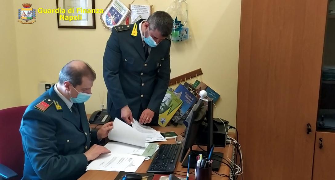 Napoli, imprenditori speculavano sull'accoglienza dei migranti: finanzieri sequestrano 1,5 milioni