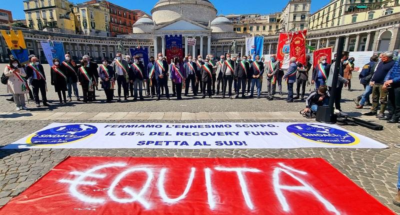 Recovery, da Napoli la carica dei sindaci del Sud: è scontro con Carfagna