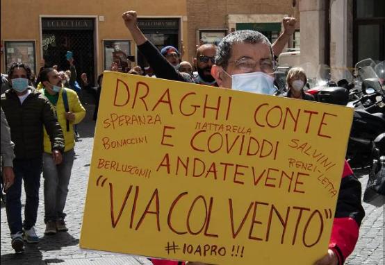 La rabbia dei lavoratori della ristorazione e dei mercati contro il governo dell'ammucchiata