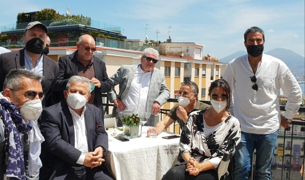 Napoli, D'Angelo candidato sindaco inaugura il comitato elettorale. Presenti molti ex 'arancioni'
