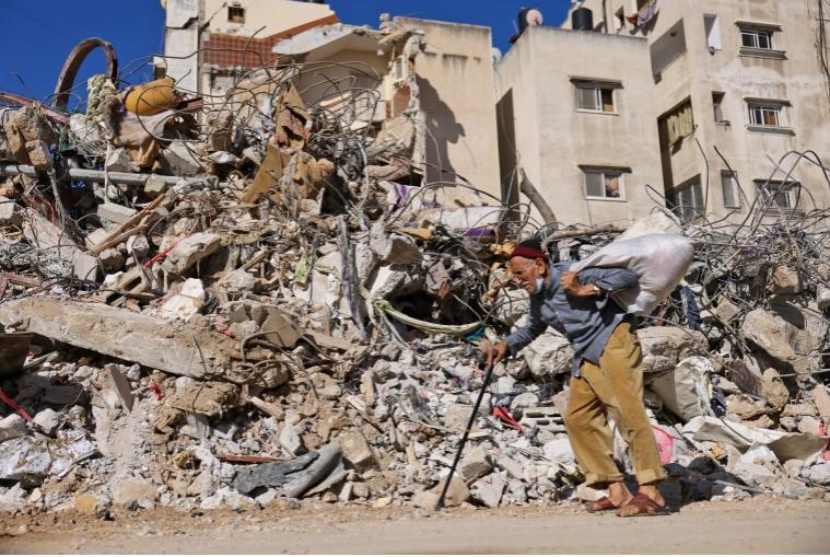Gaza: Israele continua a bombardare case, scuole e uccidere palestinesi. La Francia propone un cessate il fuoco