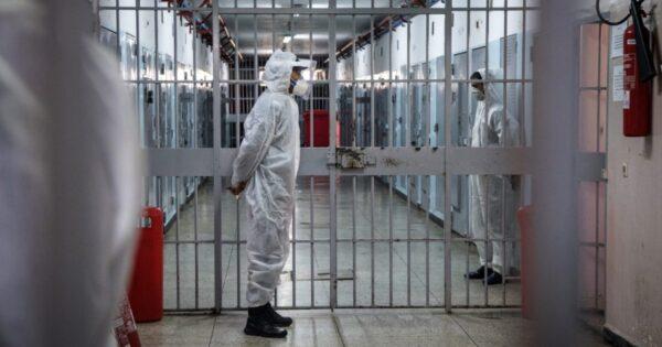 Carcere di Secondigliano, vaccinati 830 detenuti