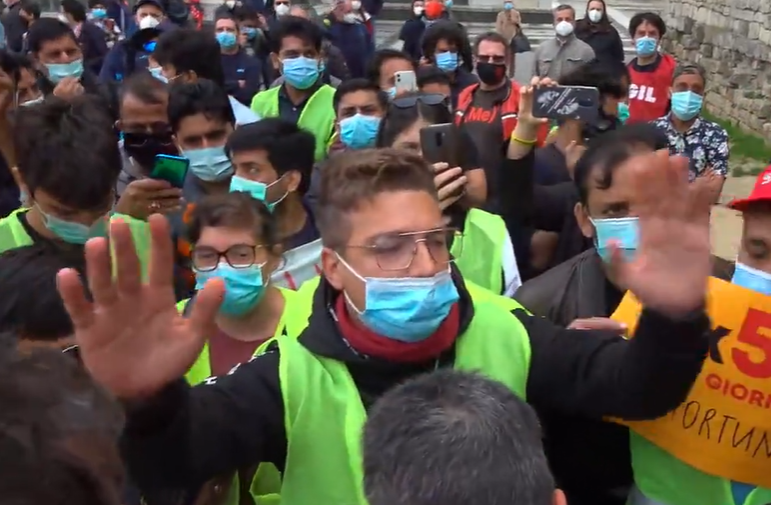 Prato, sicurezza sul lavoro: gli operai contestano i sindacati confederali