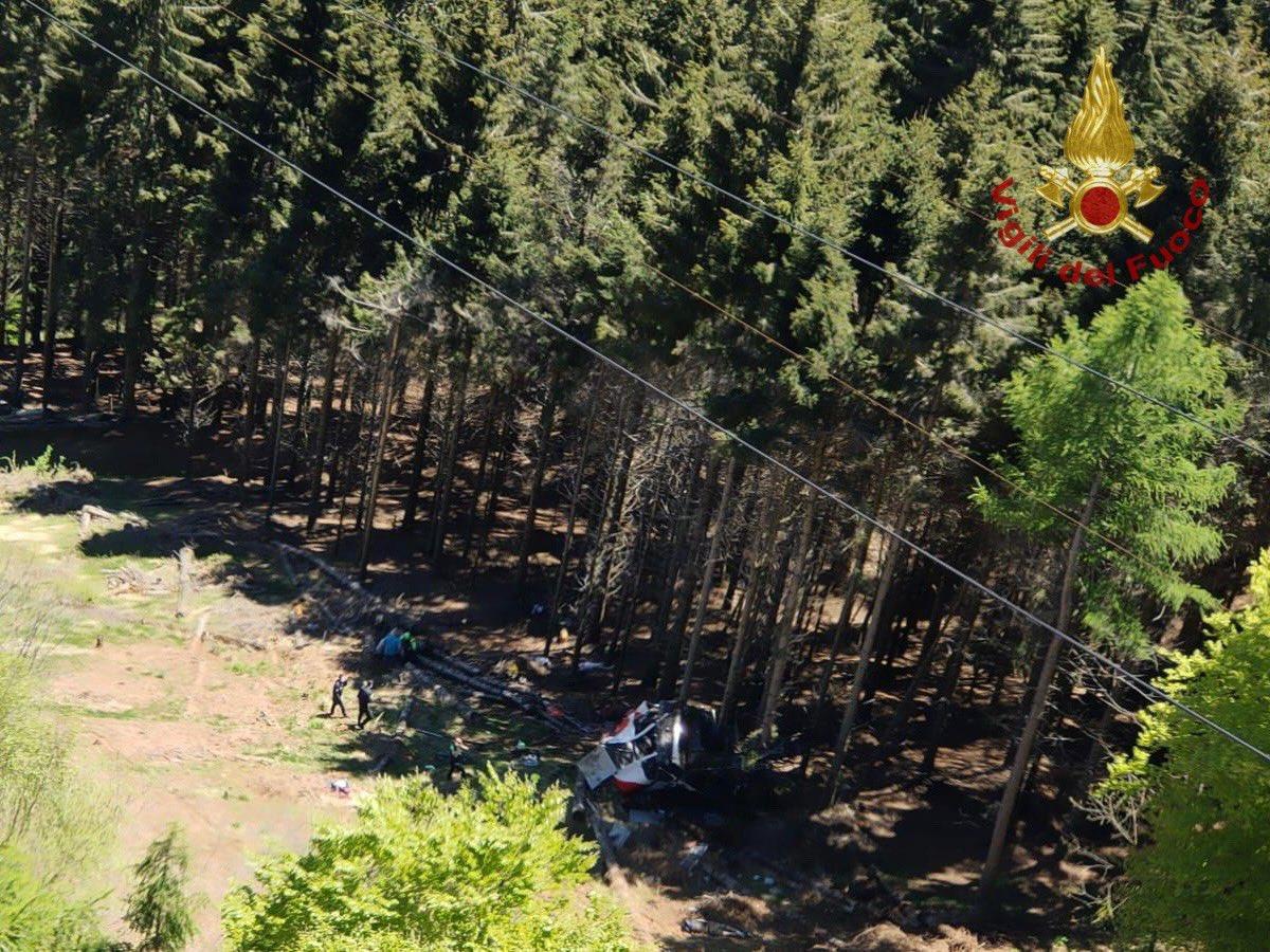Funivia Stresa-Mottarone, le vittime salgono a 14: morto anche uno dei due bimbi ricoverati. L'altro è grave