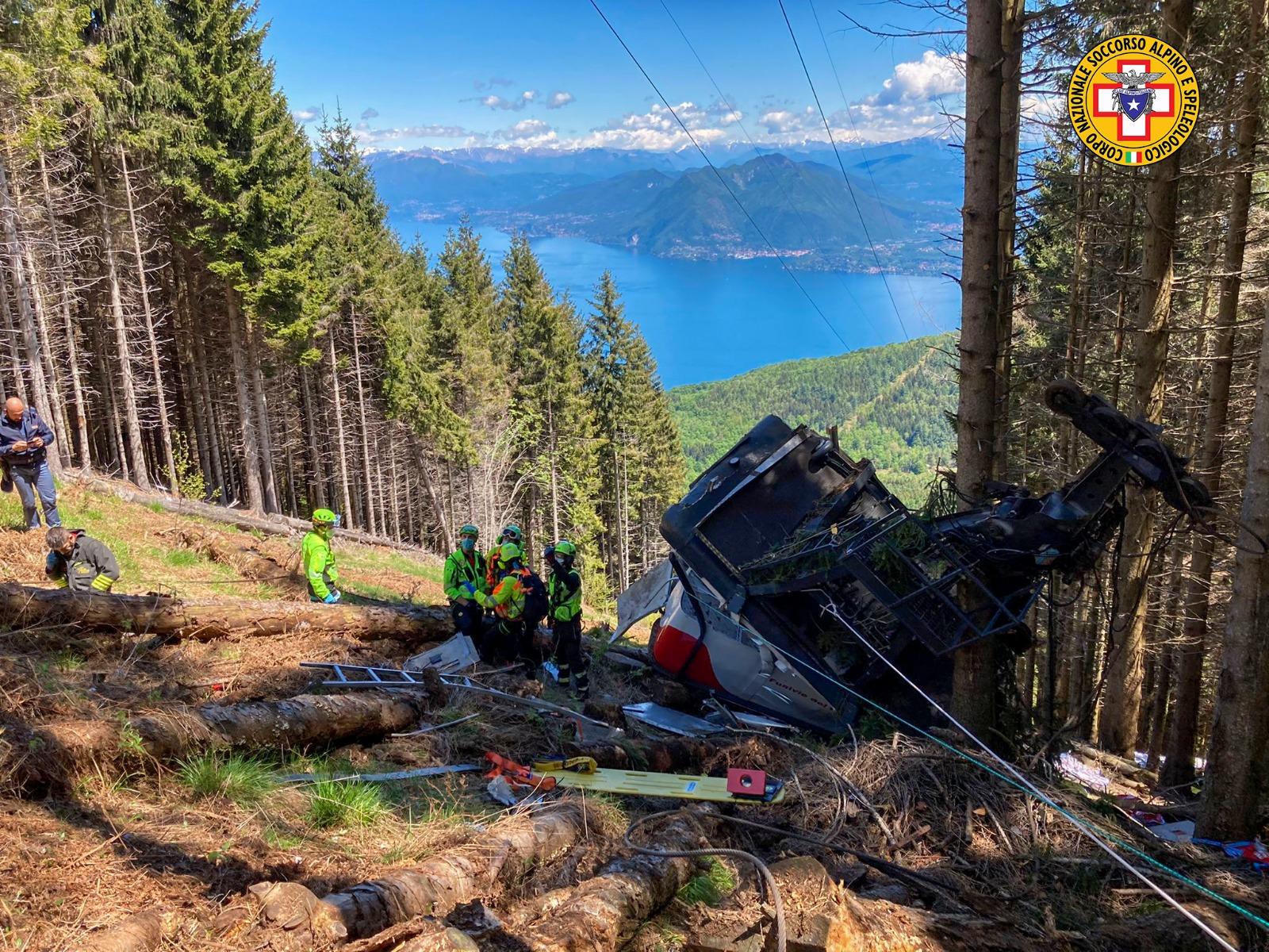 Incidente funivia Stresa-Mottarone: precipita cabina, 13 morti e 3 feriti. Gravi due bambini