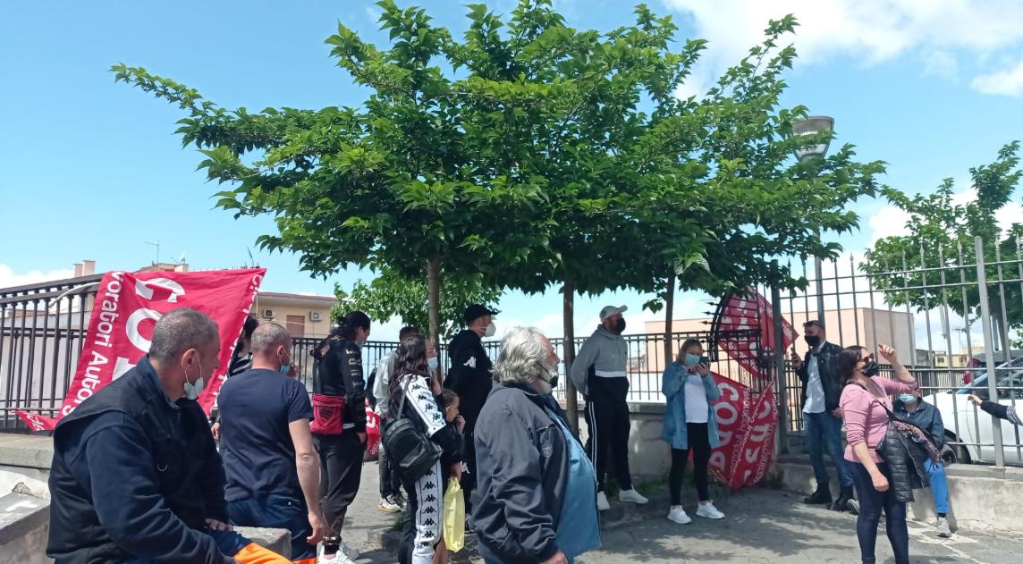 Torre del Greco, la protesta dei lavoratori Buttol