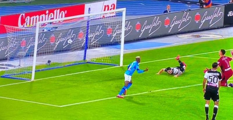 Manita all'Udinese, il Napoli punta la Champions