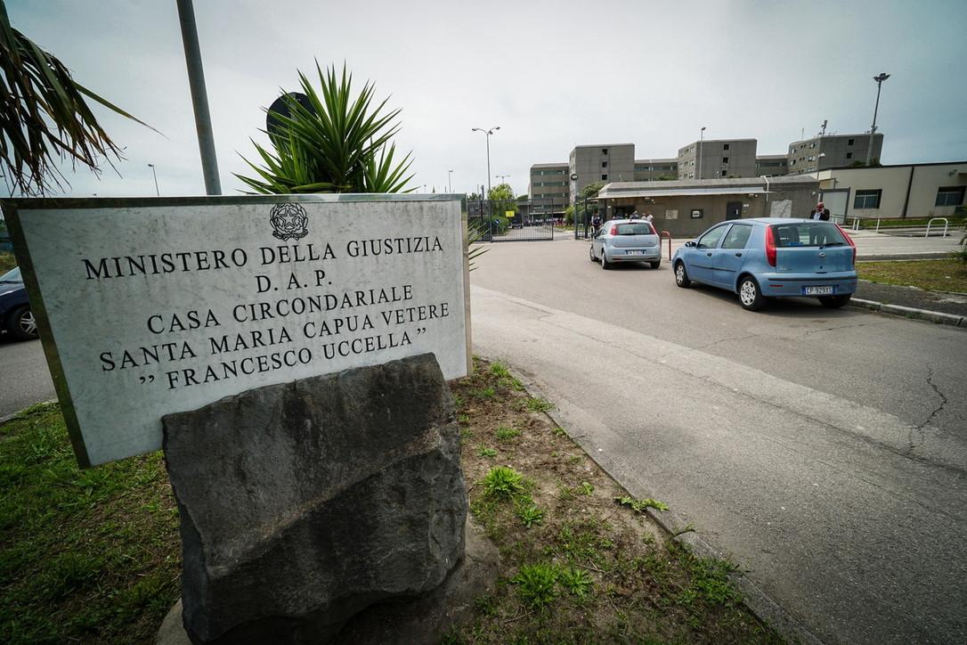 Pestaggi Santa Maria CV, attacco alla libertà di stampa