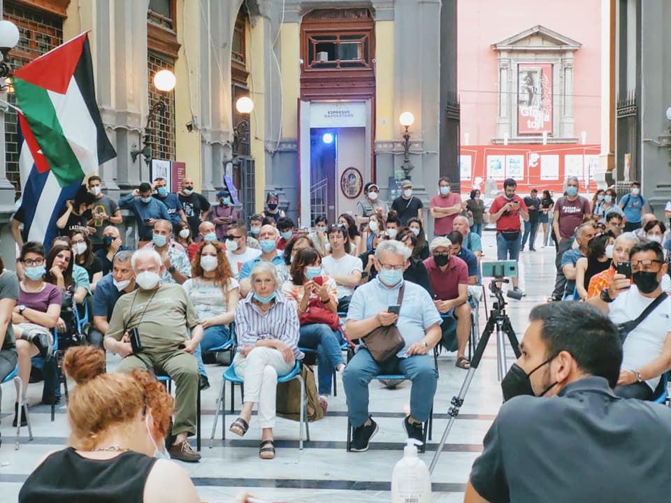 Napoli, Potere al Popolo appoggia Clemente per avere la poltrona in consiglio comunale