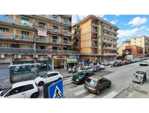 Napoli, rissa a Fuorigrotta per un parcheggio selvaggio: 3 feriti