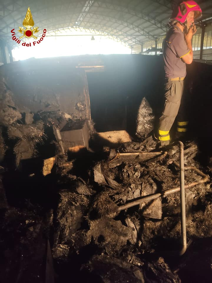 Pontecagnano, incendio cantiere navale Marino Yacht: gravi due operai