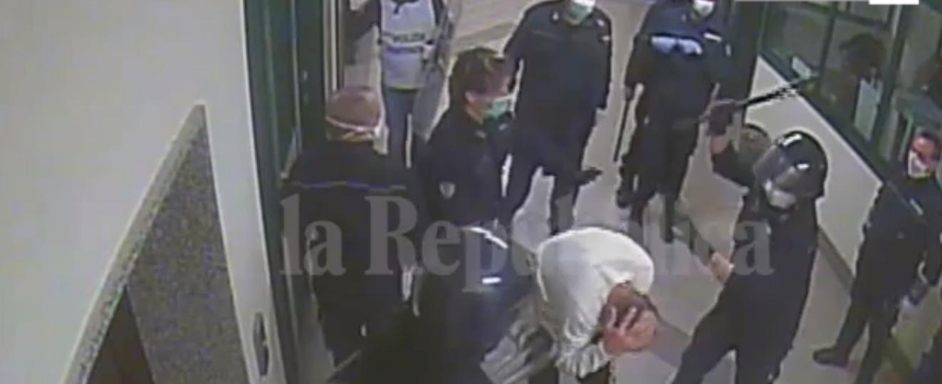 Diffusi altri video sui pestaggi nel carcere di Santa Maria Capua Vetere