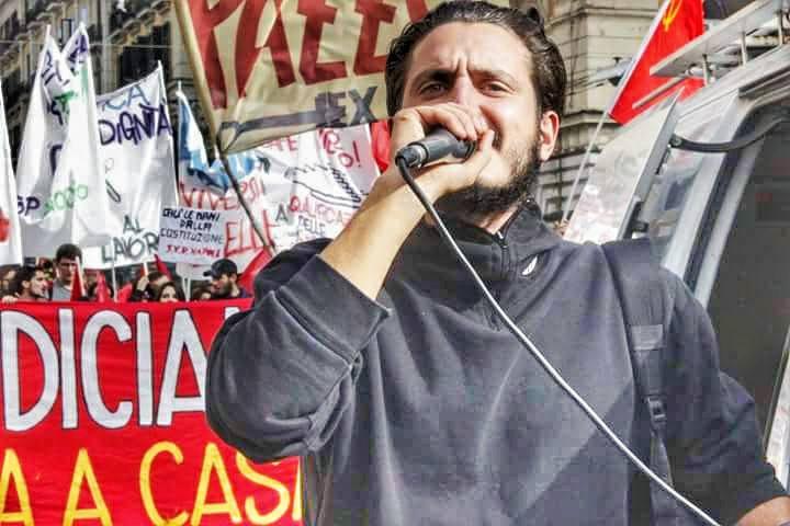 Napoli, chi guida le lotte per il lavoro accusato di associazione a delinquere: indagato Eddy Sorge