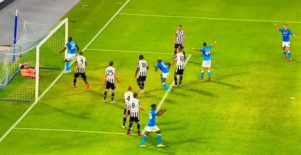 Rimonta Napoli, Juventus ko e a -8