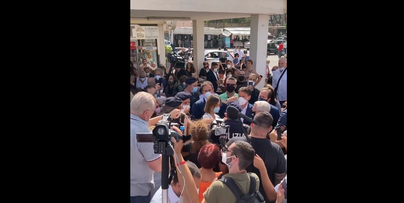 Napoli, flop di Conte: il portavoce grillino snobbato dai cittadinidi Fuorigrotta
