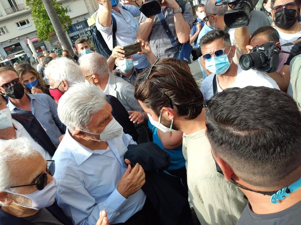 Napoli, elezioni: Maresca propone un piano contro le buche, Bassolino incontra i disoccupati