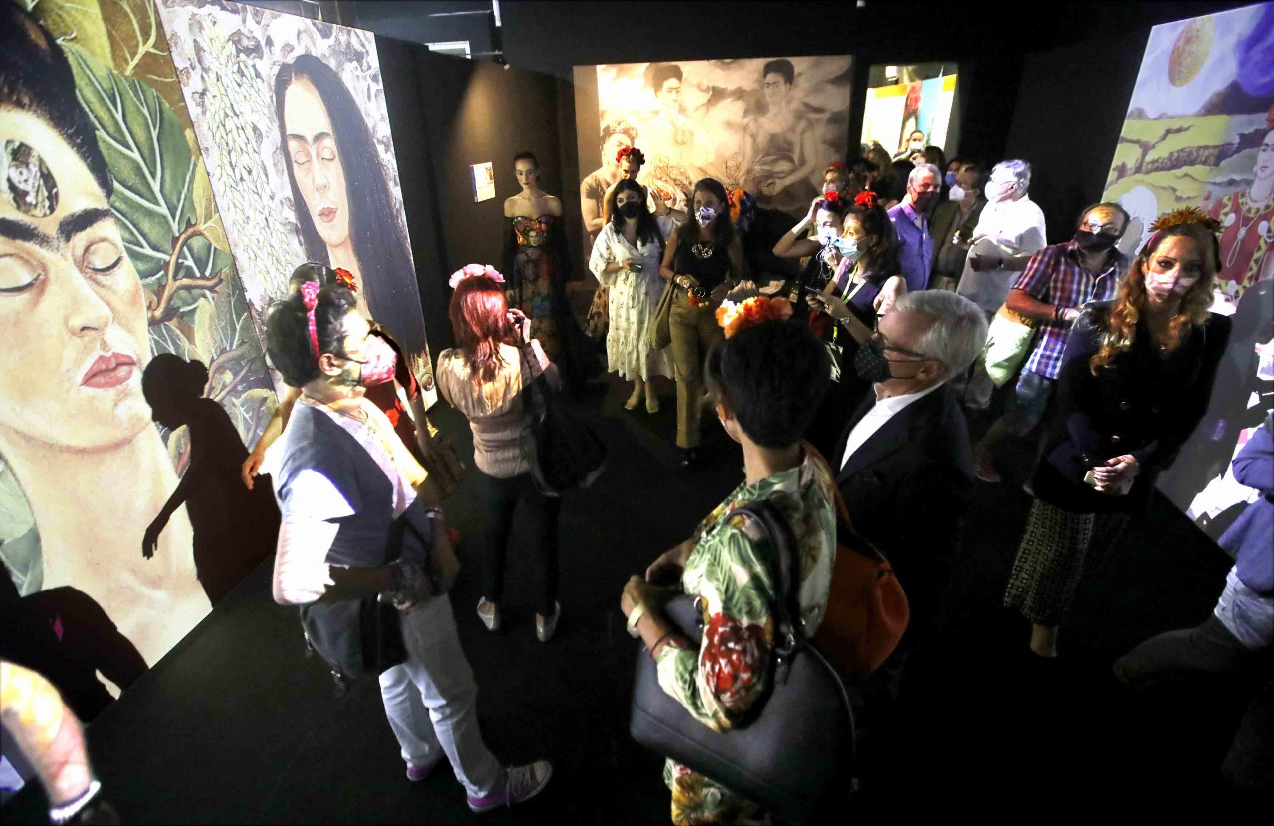 Aperta a Napoli la mostra dedicata a Frida Kahlo, la rivoluzionaria messicana