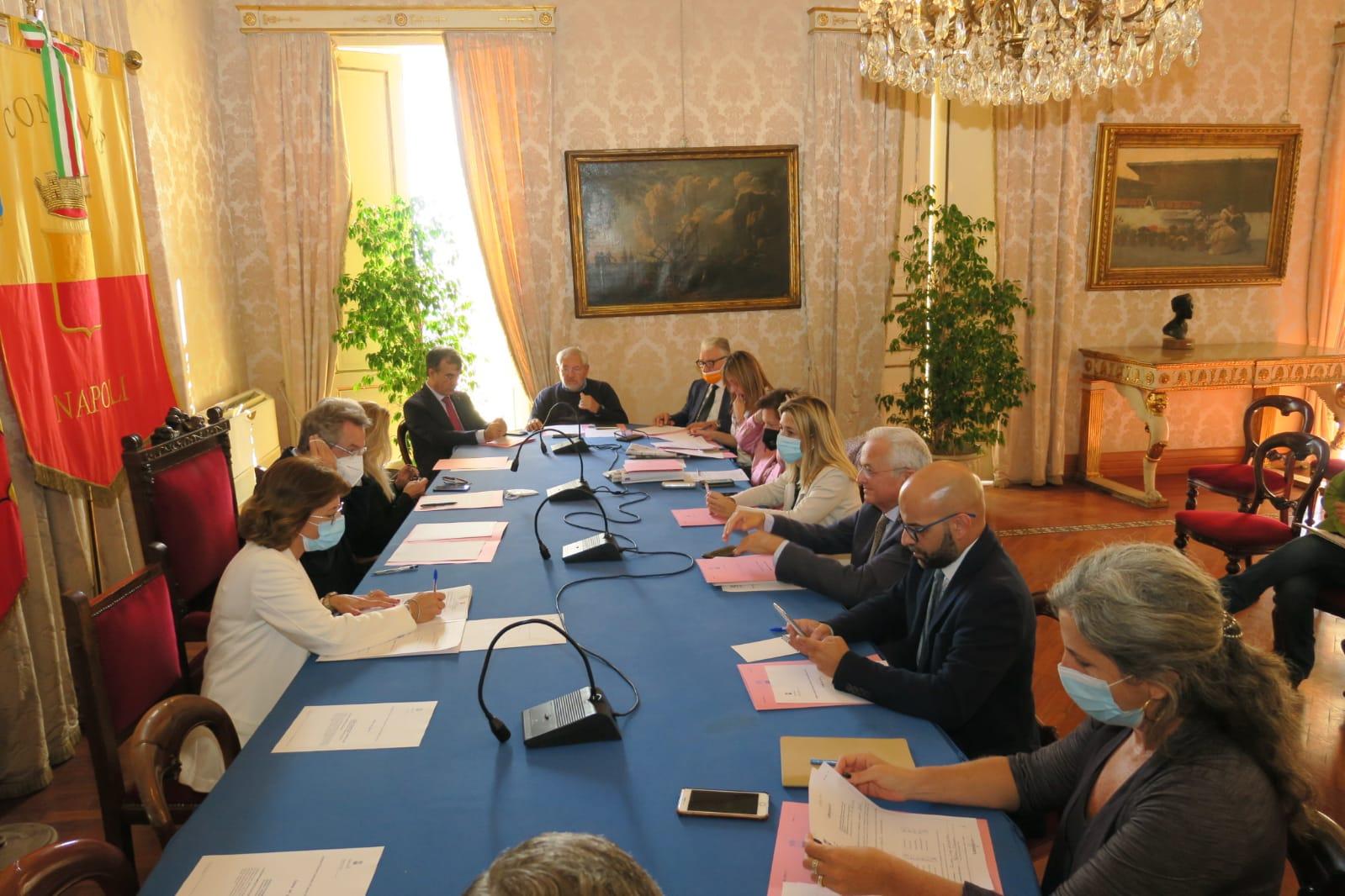 Napoli, rinnovato contratto per 142 agenti polizia municipale