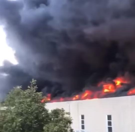 Incendio Airola: rogo ancora in fase di spegnimento