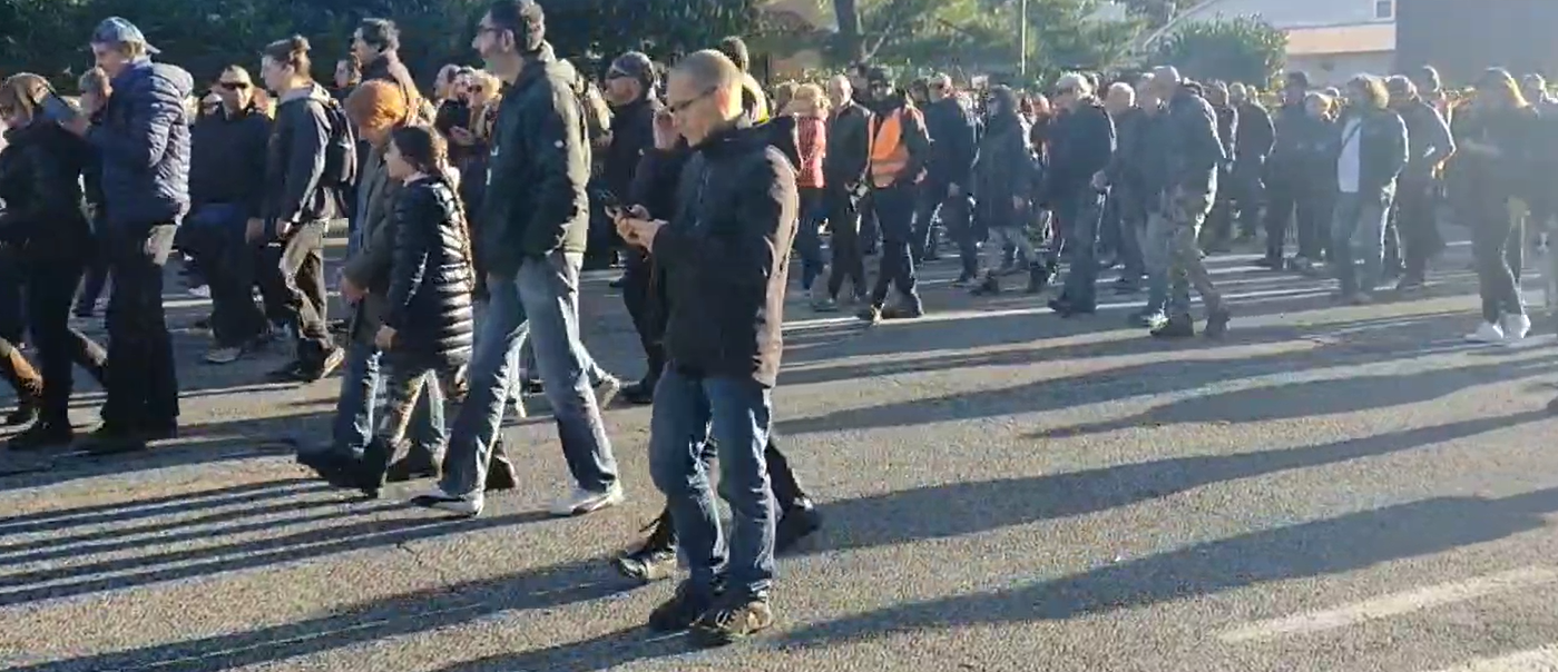 """Trieste, 5 mila al corteo anti Green Pass: """"La gente come noi non molla mai"""""""