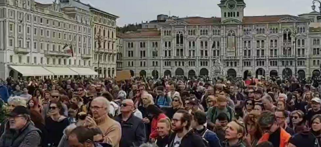 Trieste, oggi 10 mila in piazza contro il Green Pass. Presidio di lotta fino a Sabato