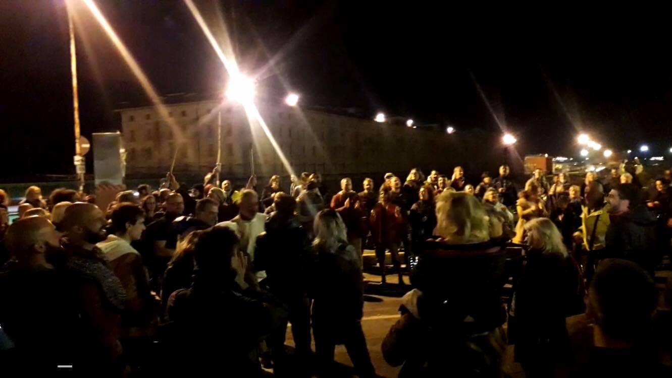 """Trieste, Cgil Cisl Uil invocano lo sgombero del porto. I lavoratori: """"Andiamo avanti, non molliamo"""""""